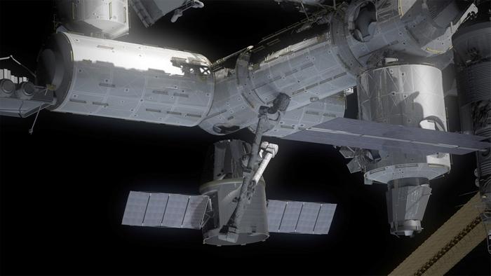 ISS-dragonx