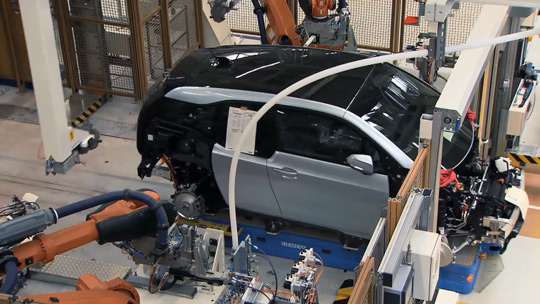 Сборка электромобиля BMW i3