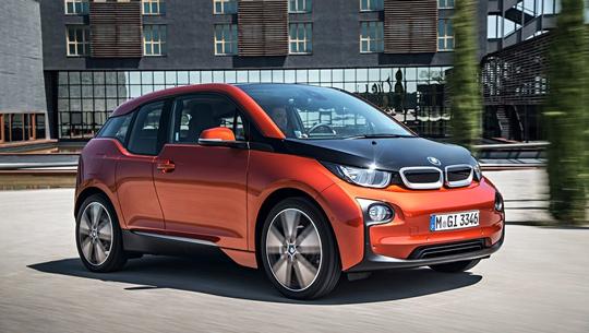 Электрокар BMW i3 - вид сбоку