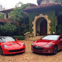 Tesla Model S против Chevrolet Corvette C7 Z51 [видео]