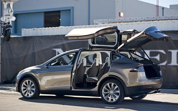 Интерьер электромобиля Tesla Model X