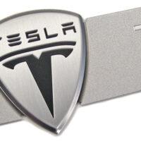 Tesla добавляет титановую защиту и алюминиевые дефлекторы днища для Model S