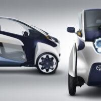 Toyota начала тестирование трехколесного мини-электромобиля i-Road на общественных дорогах Японии