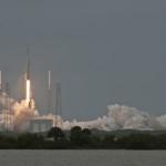 Успешный запуск Falcon 9 и Dragon