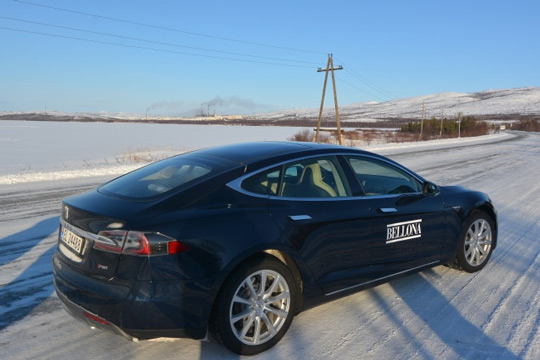 Tesla Model S в зимней Норвегии