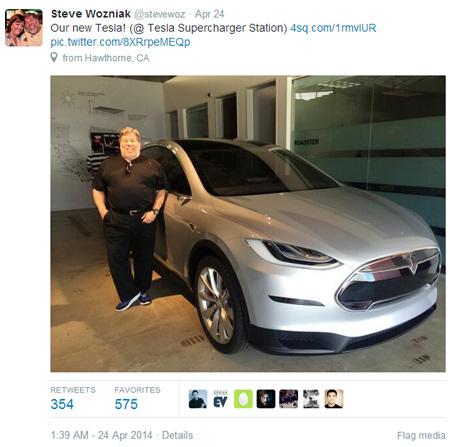Стив Возняк и прототип Tesla Model X