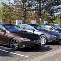 Какую взять модель Tesla Model S?