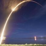 SpaceX доставила коммерческий спутник на орбиту [видео]
